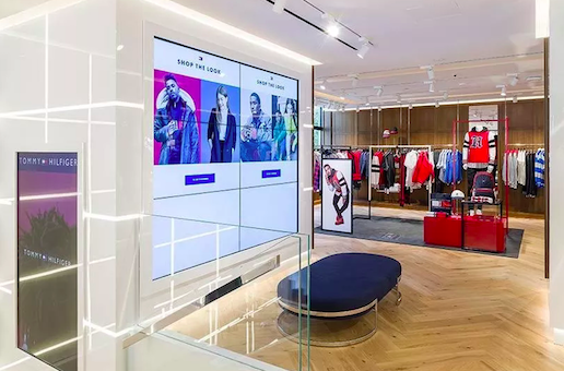 007615b4fb2061 Tommy Hilfiger apre ad Amsterdam uno store del futuro - Retail ...