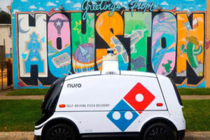 Domino_Nuro_autonomous_pizza_delivery