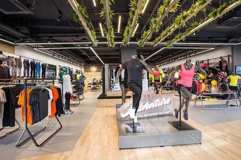 f8f876513b Asics mette al centro i negozi - Retail Institute Italy;